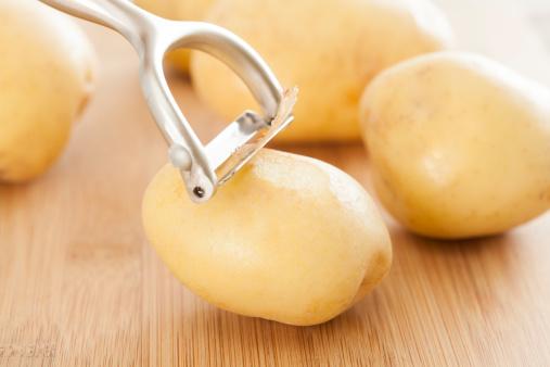 Bật mí cách trị mụn gạo trên mặt bằng khoai tây hiệu quả